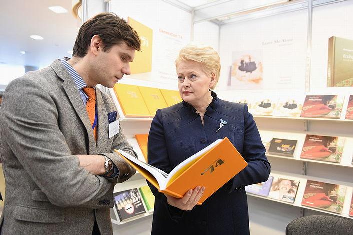 The President of Lithuania in conversation with Mindaugas Kavaliauskas about Generation '74 - Photo by Robertas Dačkus